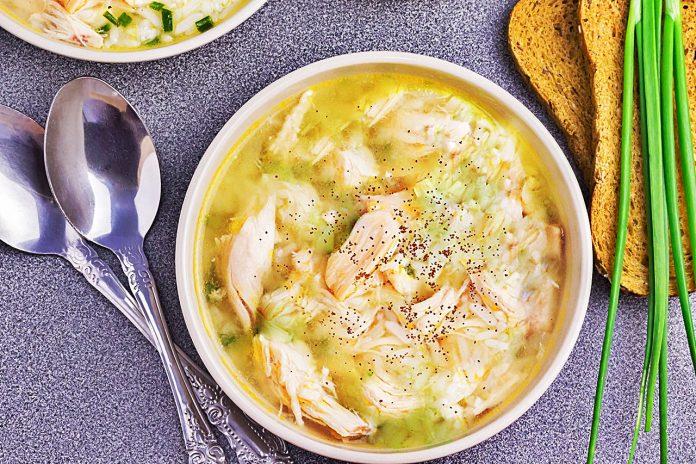 Bademli Terbiyeli Tavuk Çorbası Nasıl Yapılır